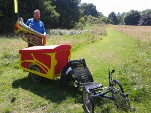 Jon Hodkin, his tuba, ICE Trike and new TubaTrailer. . . InnerTuba back on the road.